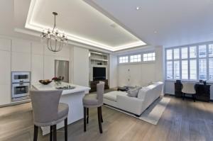 هذا المنزل مكون من 3 غرف نوم وتم تجديده أخيراً ومطروح للبيع بسعر 10.49 ملايين دولار