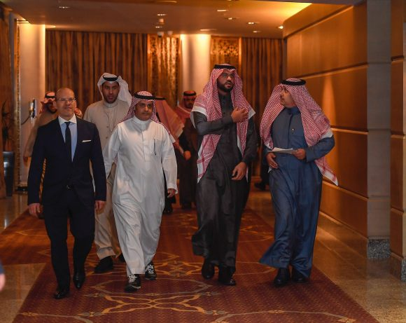 خالد بن سلطان: يوجه بإقامة 12 سباقا في عدد من الدول لنشر سباقات الخيل العربية