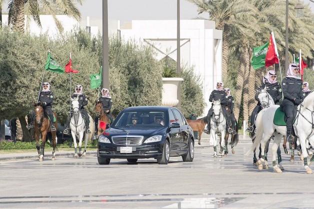 """الخيول العربية وزي """"الخويا"""" تلفت أنظار رئيس الصين"""