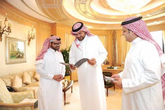 فهد بن خالد يتوج الفائزين بمسابقة التصوير الفوتوغرافي في مهرجان الأمير سلطان للجواد العربي