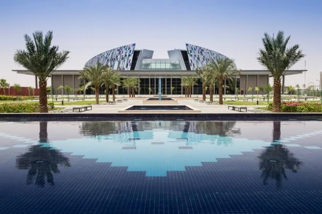 """""""جامعة الإمارات"""" تطلق أكبر أطلس لأمراض الخيول في العالم"""