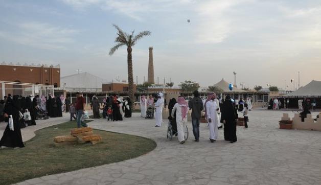 جناح مركز الملك عبد العزيز للخيل العربية بالجنادرية يستقبل 100 ألف زائر