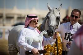 «بانديروس» يفتتح عودته الدولية لعام 2013 بذهبية قطر