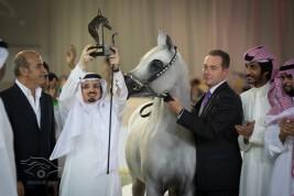 """في دبي «الخالدية» تحقق أعلى الدرجات و """"عذبة"""" يواصل الإبداع .. والمعود يستمر في التألق"""