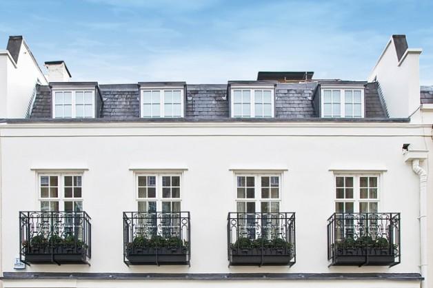 لندن: مرابط الخيل العريقة تتحوّل إلى منازل فارهة