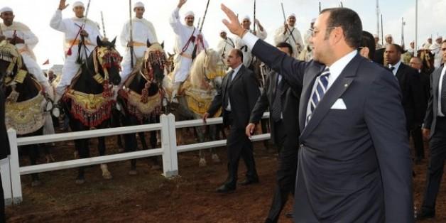 الملك محمد السادس يفتتح الدورة السادسة لمعرض الفرس بالجديدة في المغرب
