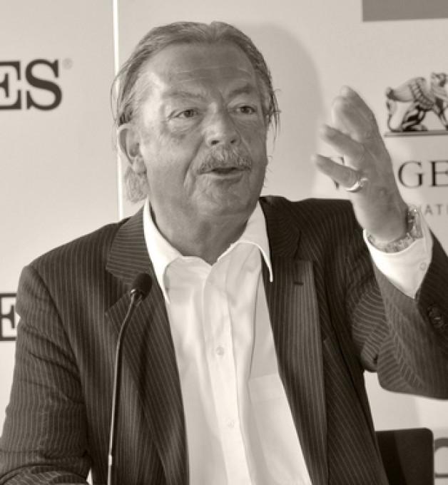 """وفاة مؤسس « الإيكاهو» السيد """"بيتر ستوسيل"""" بعمر ناهز  69 عاماً"""