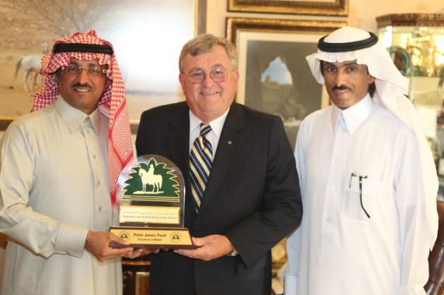 المشرف العام على مركز الملك عبدالعزيز للخيل العربية يستقبل رئيس منظمة (الواهو)