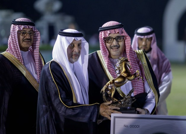 «عذبة» ينال جائزة الأمير خالد الفيصل للمربط القدوة في بطولة مكة المكرمة الدولية الثامنة لجمال الجواد العربي