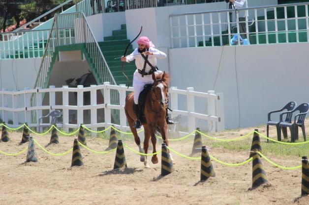 فريق سعودي يحقق الميدالية البرونزية في بطولة العالم للرماية بالقوس من على ظهر الخيل